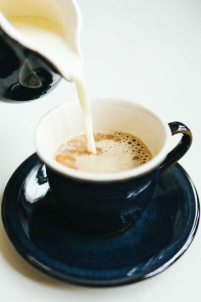 black-ceramic-mug-with-coffee-4109853